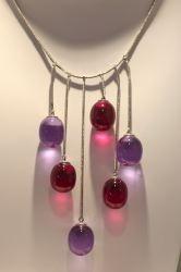 d8cb0a7b60 Autre gamme de bijoux, la gamme « Tentation », création maison au départ,  sur le thème simple de la perle de cristal, signée de 1999.