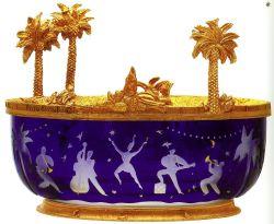 c6fe38d76f Encrier en cristal clair gravé à la roue ; bouchon de bronze doré et  ciselé. H.16 cm ; D.16cm ; édition limitée à 75 exemplaires